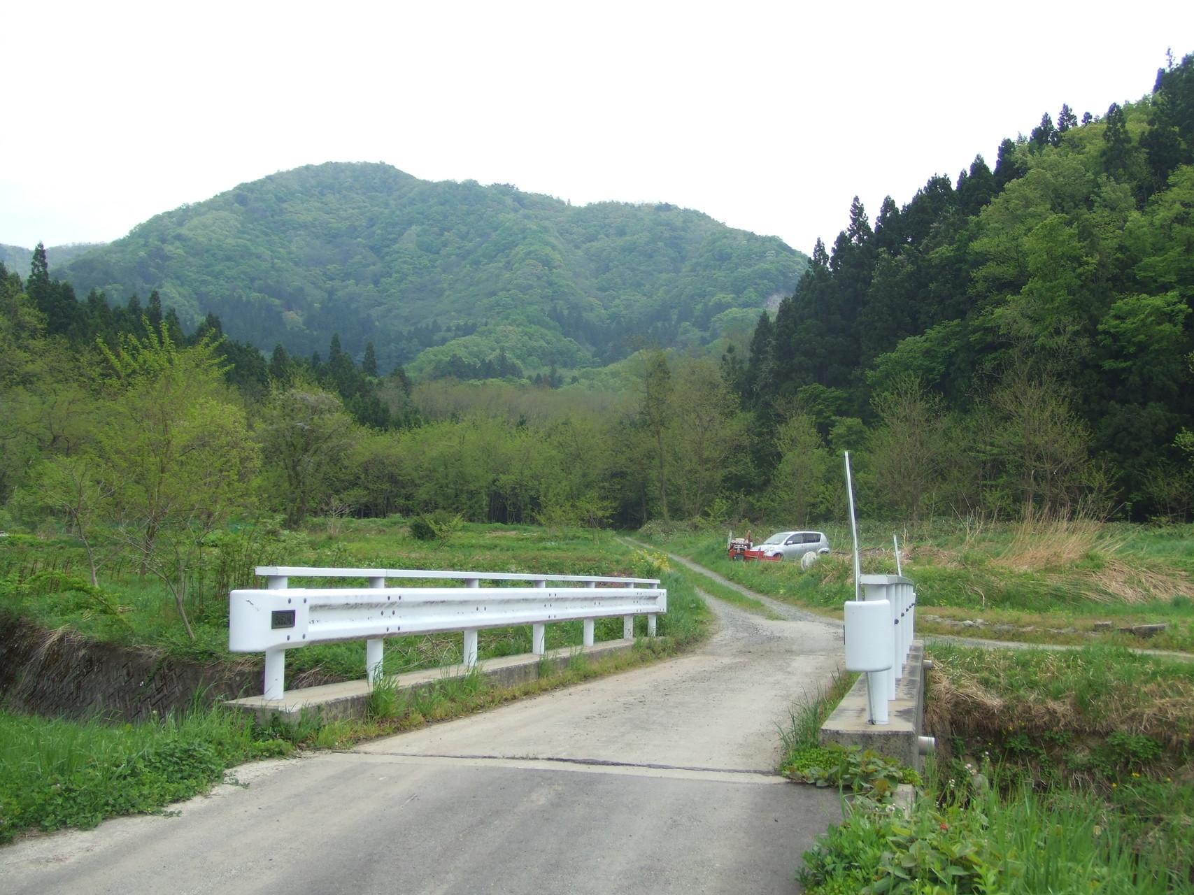 山形県南 二井宿峠 古道と旧道  ...