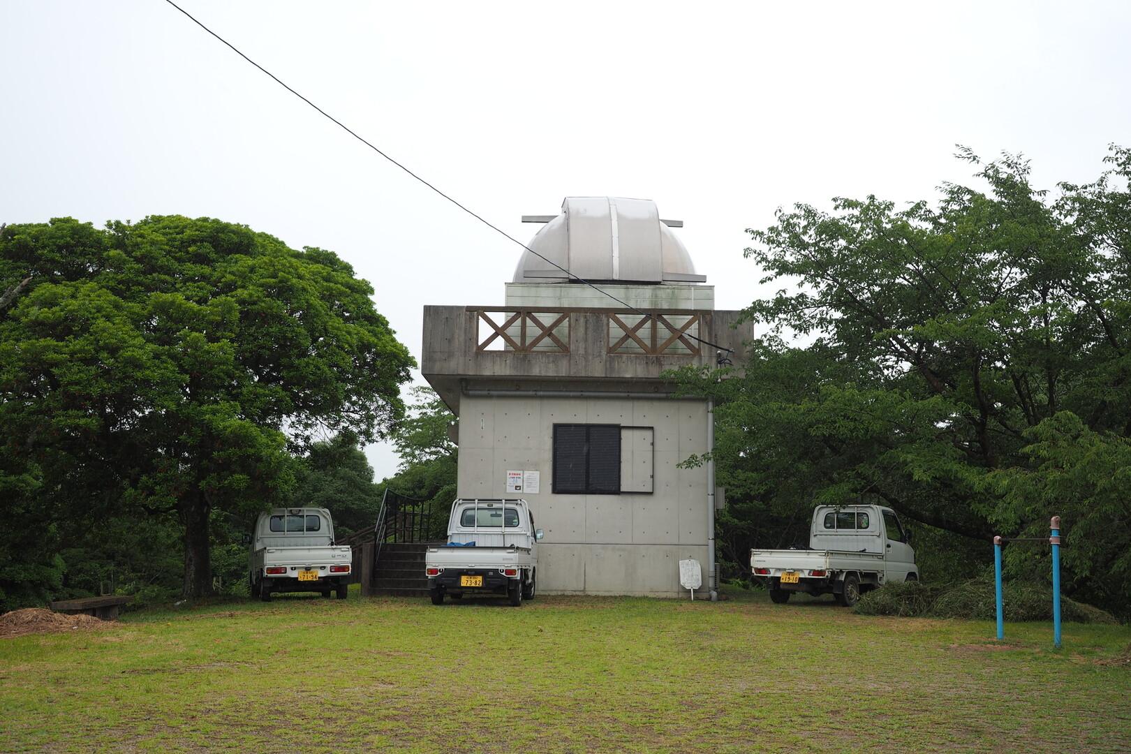 寂しげな天体望遠鏡。<br> 使いたい!