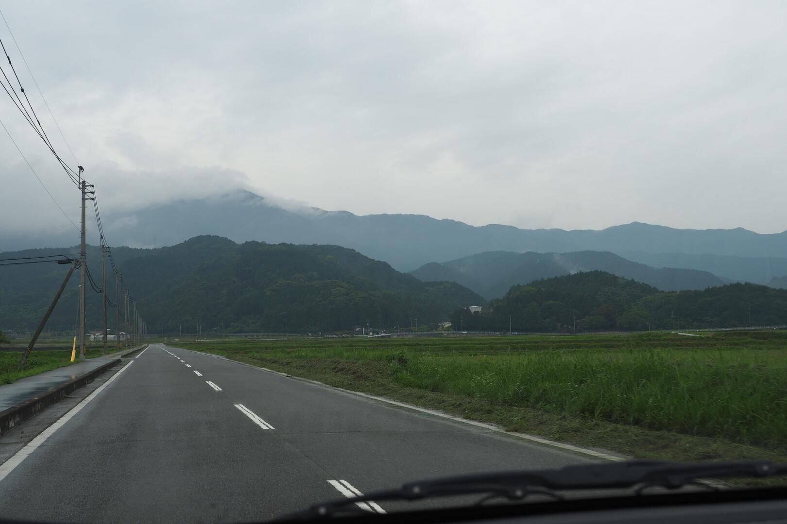 あれはたぶん大根地山。でも1000m行かないんだよねー。<br> 奥多摩なんて偉大なの⛰