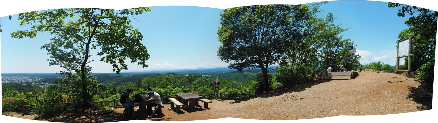 多峯主山(とうのすやま)<br> <br> 読めねーよ!<br> 名前に負けぬ景色の良さに気分があがる。