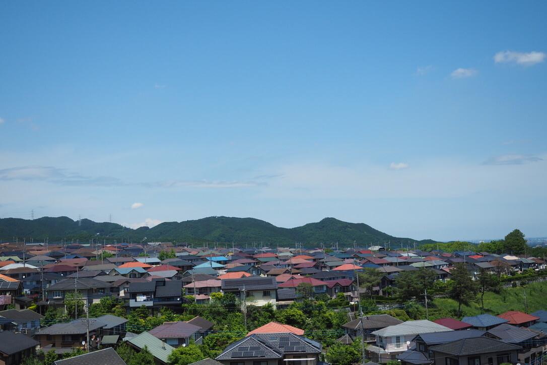 コンビニでアイス食って回復したら、久須美坂へ。<br> <br> 北に、日和田山と物見山。<br> <br> しんどい・・・・。